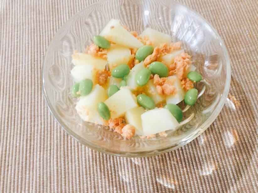 鮭フレークと枝豆入りポテトサラダ
