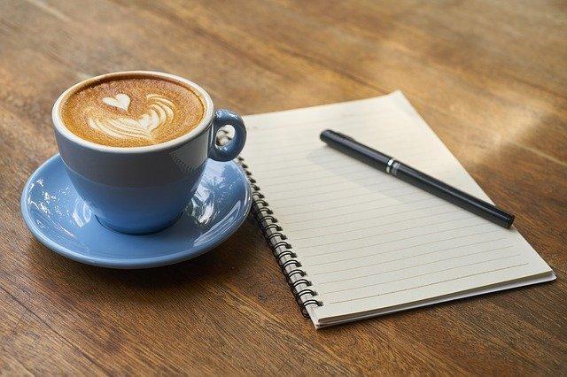 コーヒーとペン