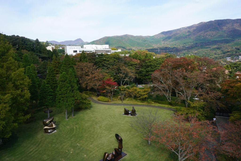 箱根彫刻の森美術館 幸せをよぶシンフォニー彫刻屋上からの景観